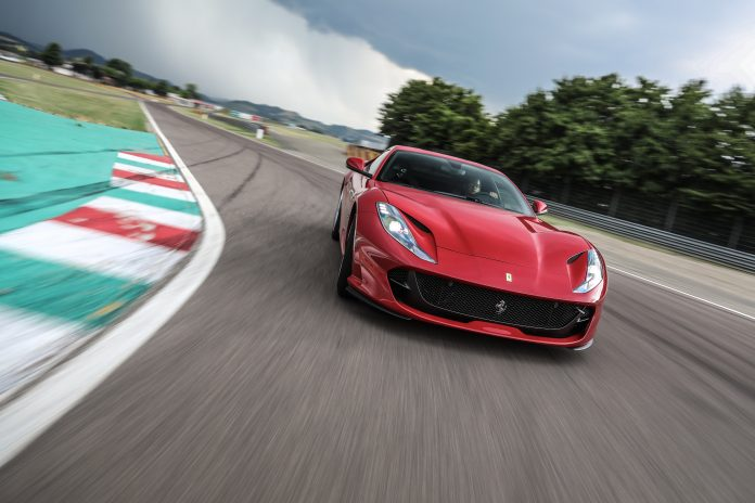 Sirkuit Fiorano merupakan tempat diujinya semua superar Ferrari sebelum diluncurkan ke publik
