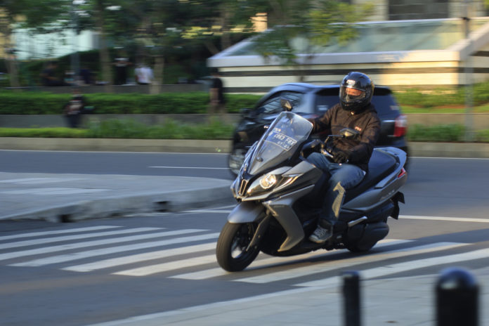 kymco downtown 250i test ride