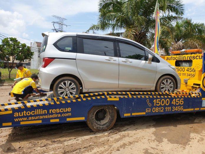 Asuransi kendaraan adira insurance
