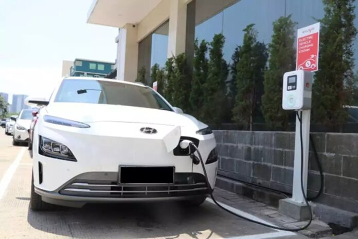 target spklu mobil listrik
